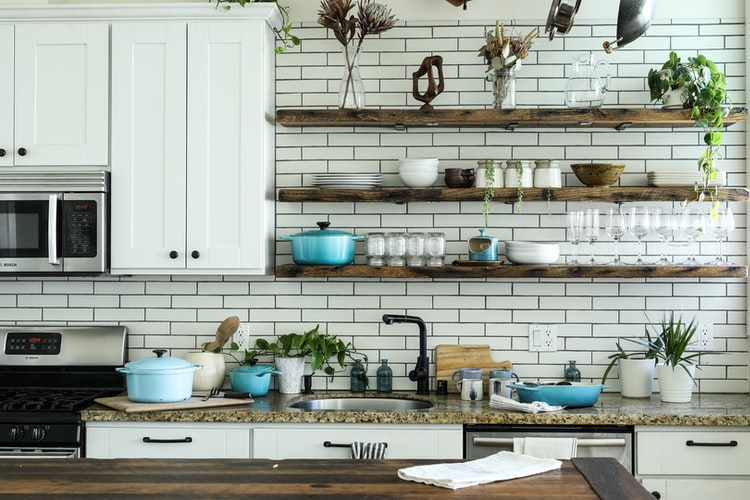 How to Organize a Small Kitchen Without a Pantry: 17 Tips and Solutions