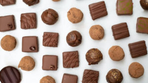 dogs, chocolate, can dogs eat chocolate, is chocolate safe for dogs, should I feed my dog chocolate, side effects of chocolate for dogs, dangers of chocolate for dogs, how much chocolate is bad for dogs, is chocolate bad for dogs?
